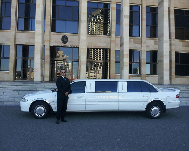 5 Advantages Of Hiring The Best Limousine Service
